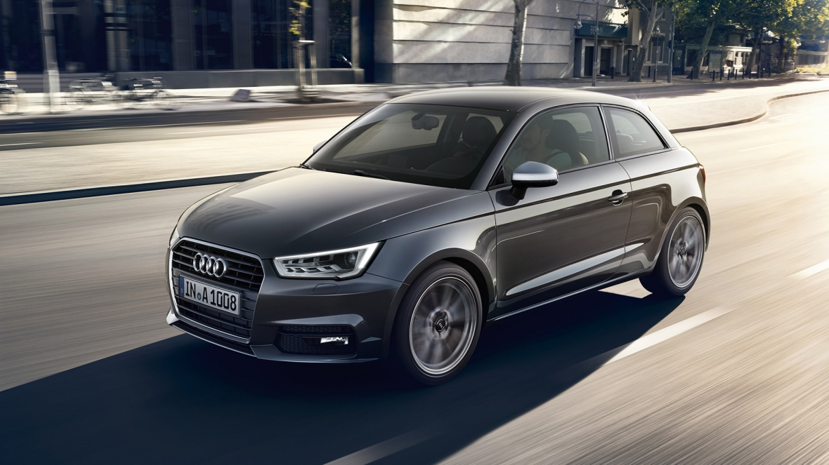 audi a1 facelift borrows s1 headlights and other cues video autoevolution. Black Bedroom Furniture Sets. Home Design Ideas