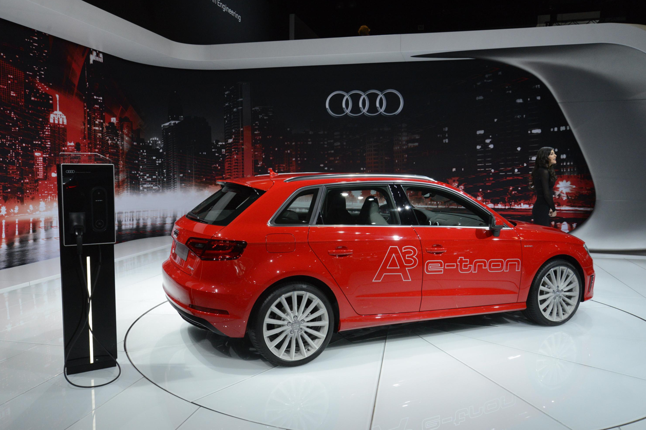 audi a3 e tron and s3 debut at la auto show live photos. Black Bedroom Furniture Sets. Home Design Ideas