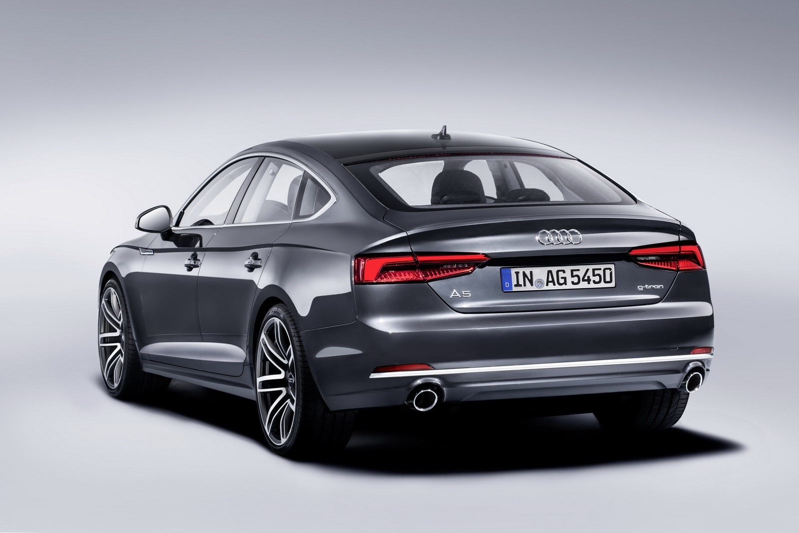audi a4 avant and a5 sportback g tron launched also run. Black Bedroom Furniture Sets. Home Design Ideas