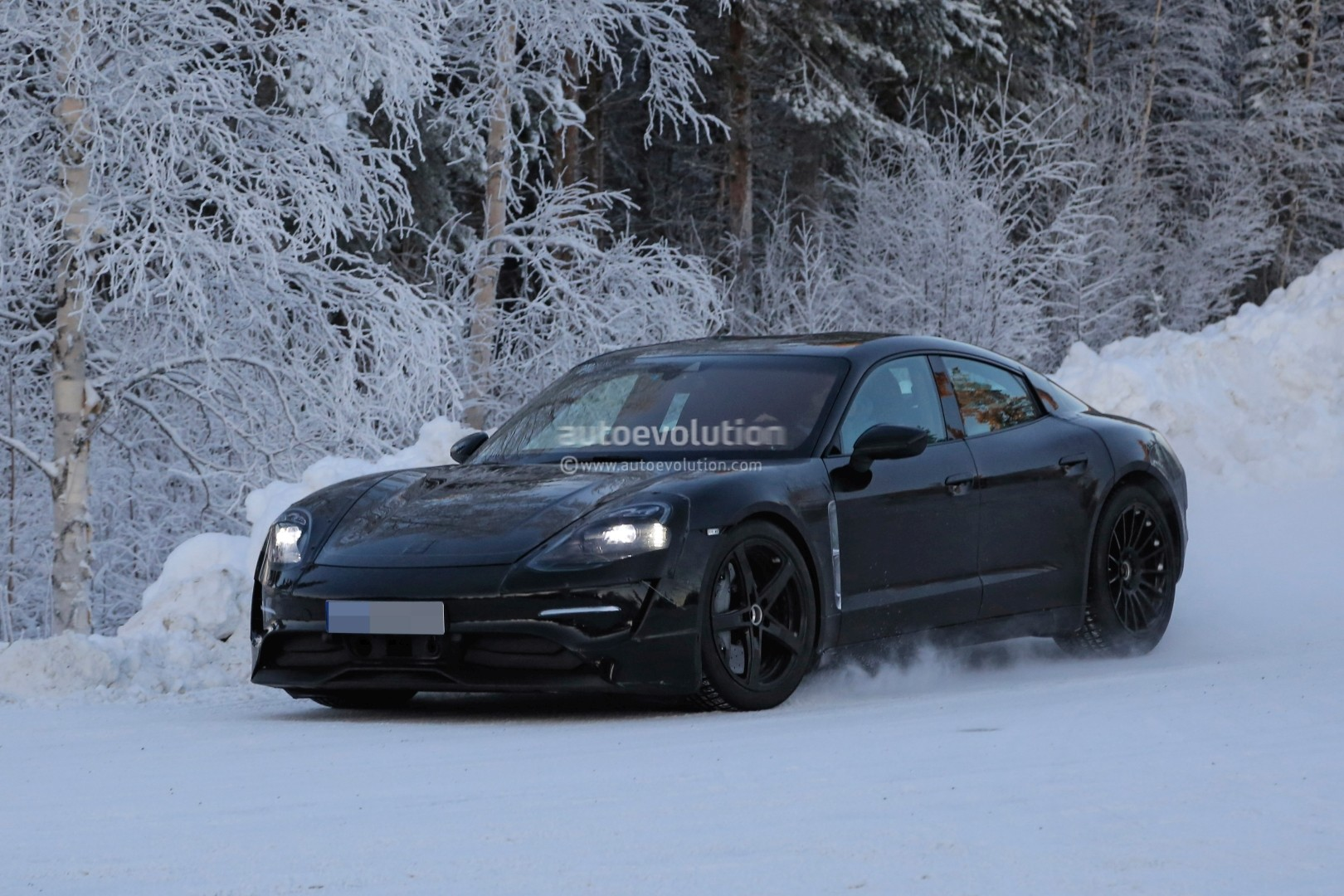 audi e tron gt confirmed with some genes from porsche autoevolution. Black Bedroom Furniture Sets. Home Design Ideas