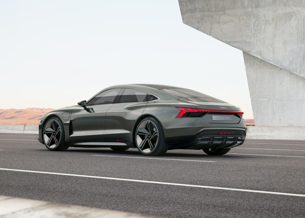 Audi A7 2018 Price >> Audi e-tron GT Leaked, Looks Better Than a Tesla - autoevolution