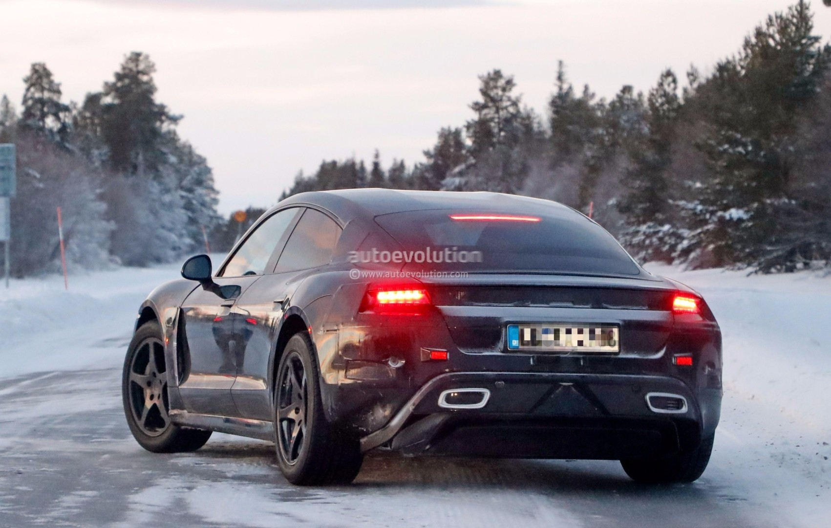 Audi E Tron Gt Prototype Looks Like The Porsche Mission E