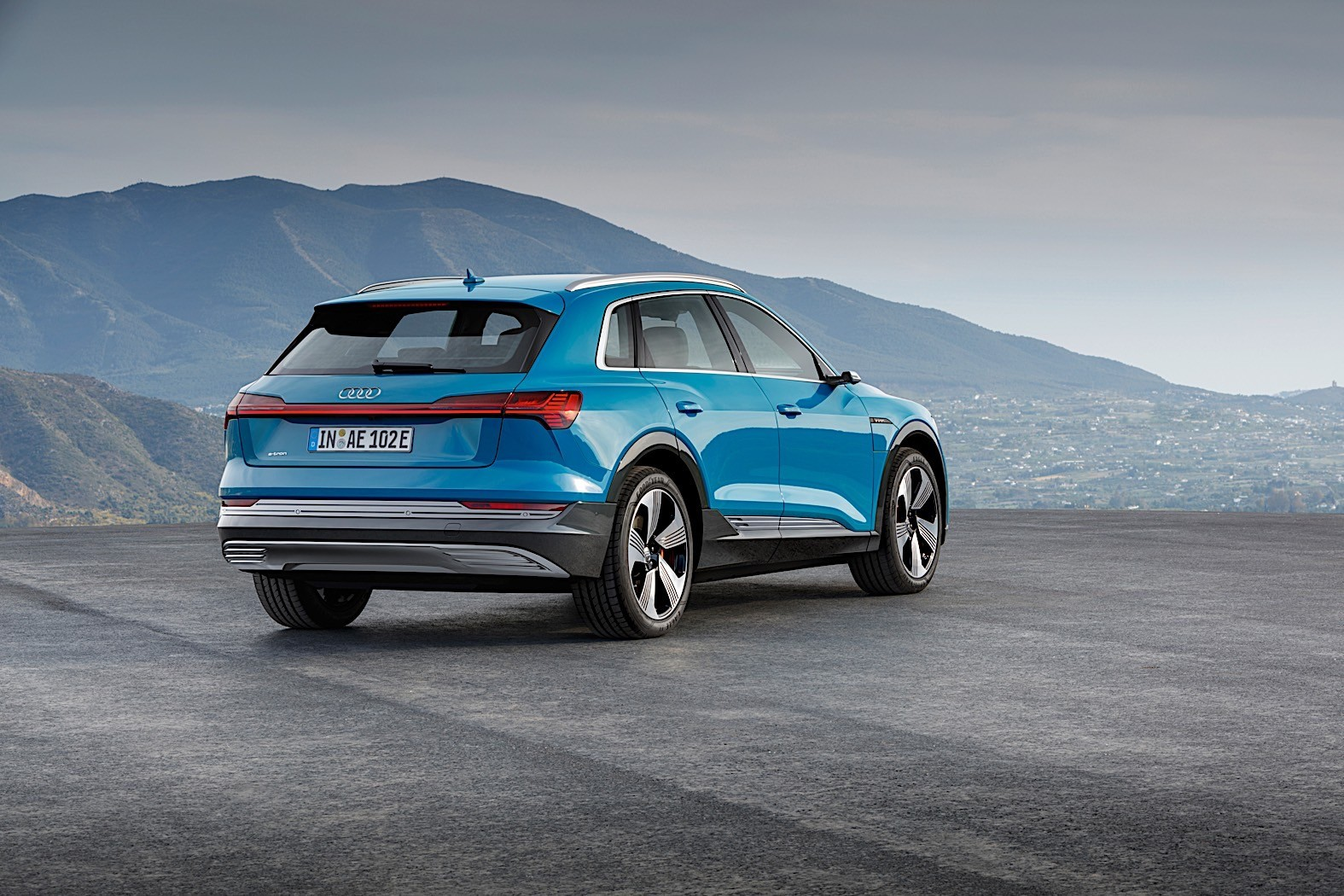 audi e tron suv comes with new quattro for 79 900 euros. Black Bedroom Furniture Sets. Home Design Ideas