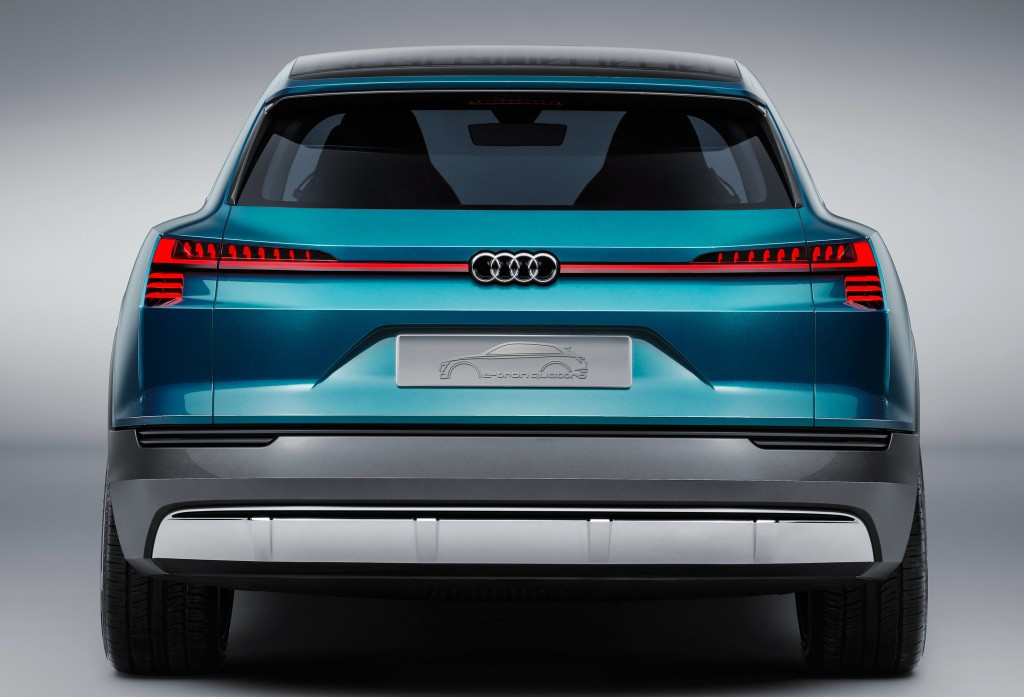2018 audi electric suv. wonderful audi audi etron quattro concept previews 2018 electric suv in audi suv