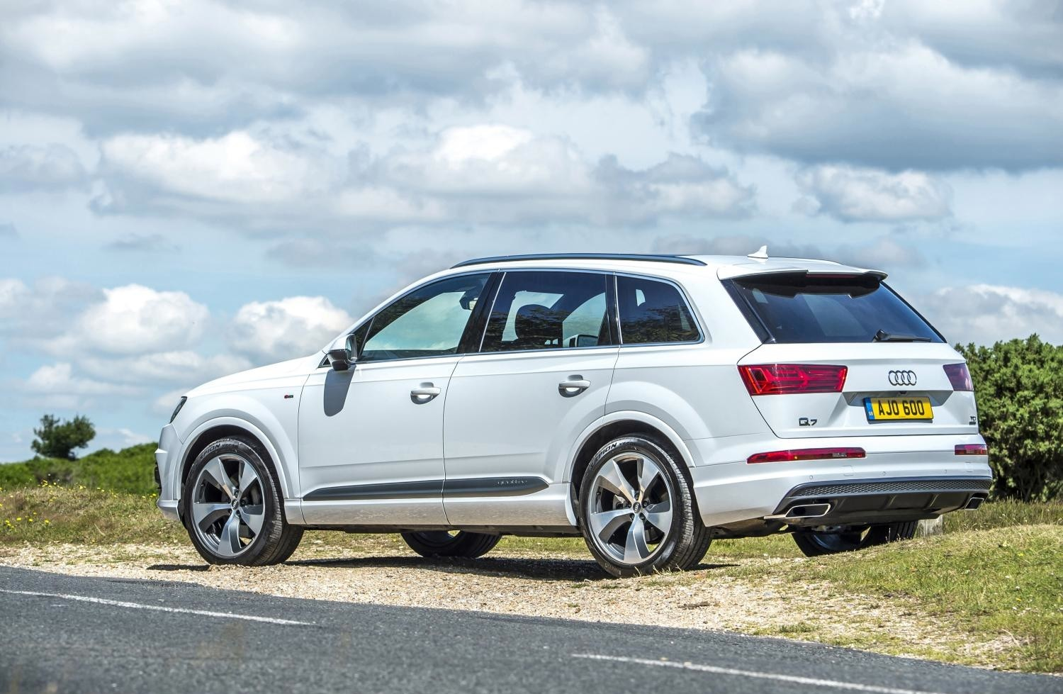 Audi Launches Cheaper Q7 SUV Model with 218 HP 3.0 TDI in Britain - autoevolution
