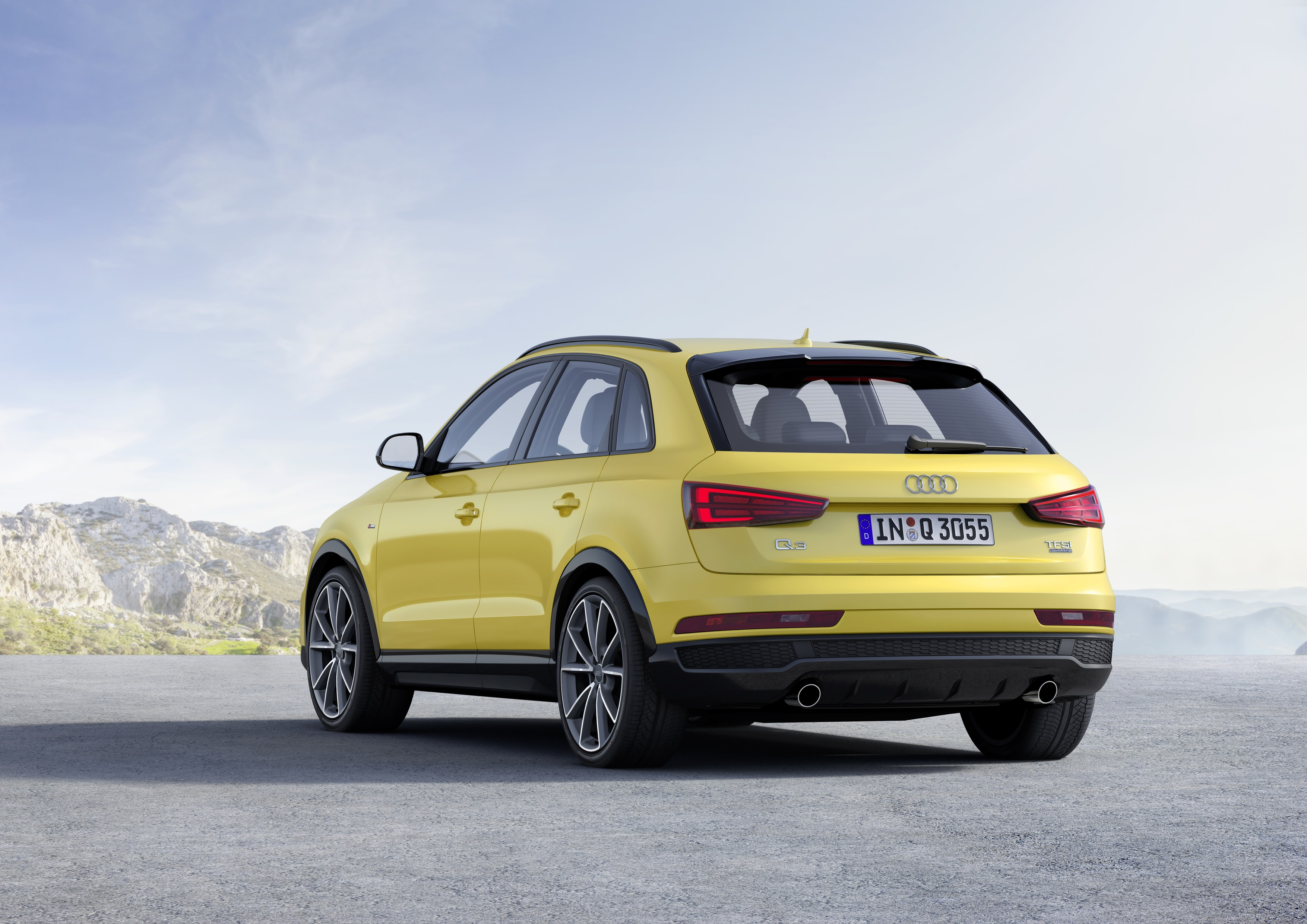 2018 audi q3 e tron could have 250 hp suv will become bigger autoevolution. Black Bedroom Furniture Sets. Home Design Ideas