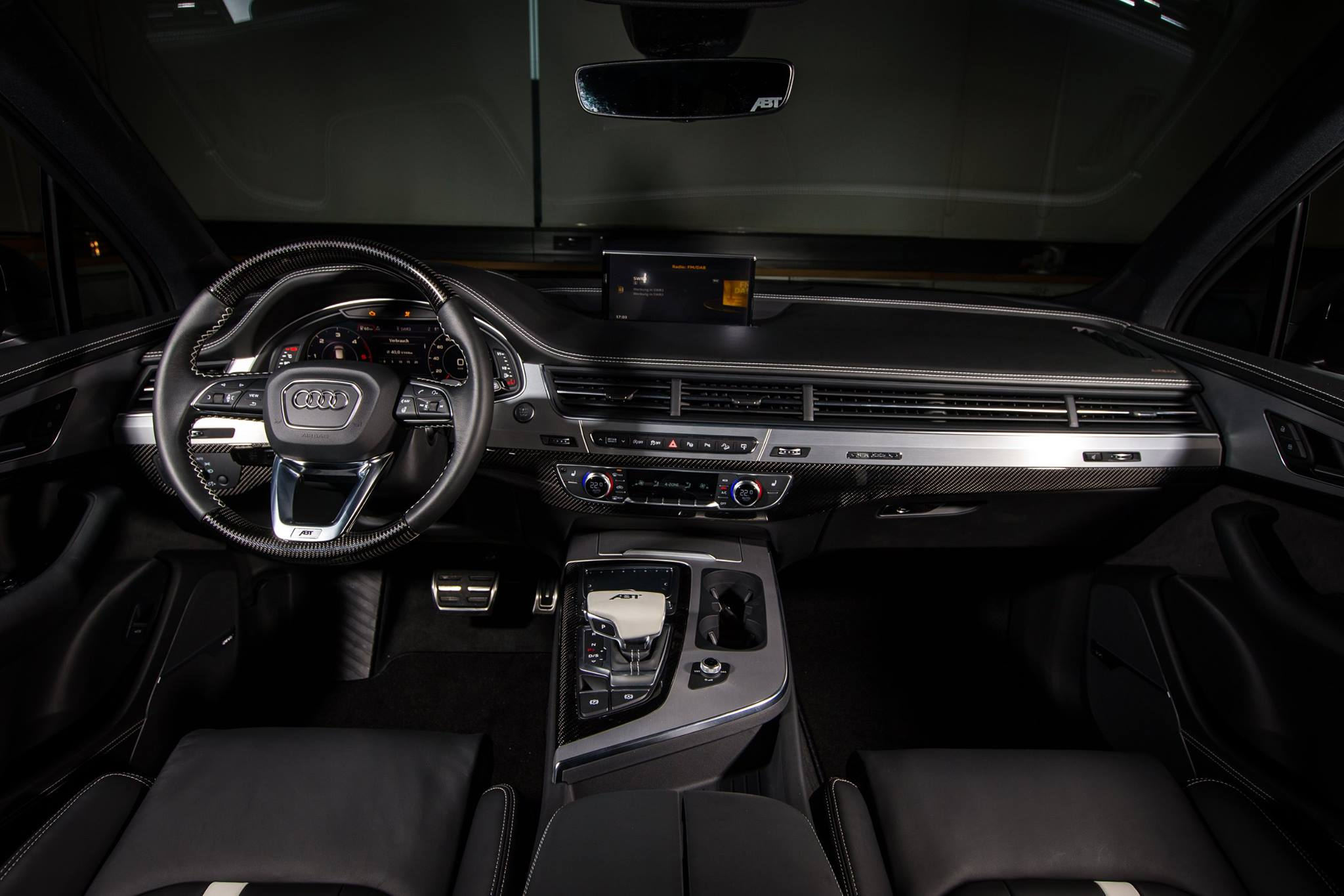 Audi Q7 Tuned By Abt Has Carbon Fiber Seats And Wider Body Autoevolution