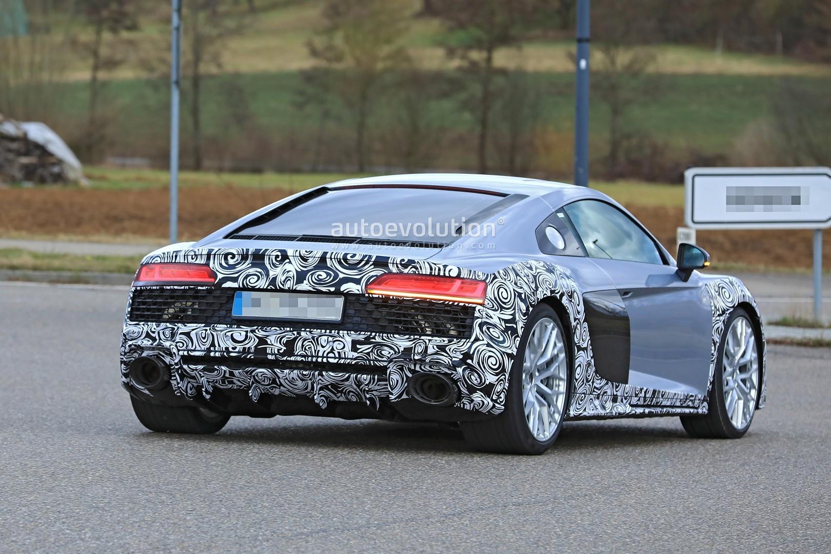 Spyshots Audi R8 Facelift Makes Testing Debut Looks Like
