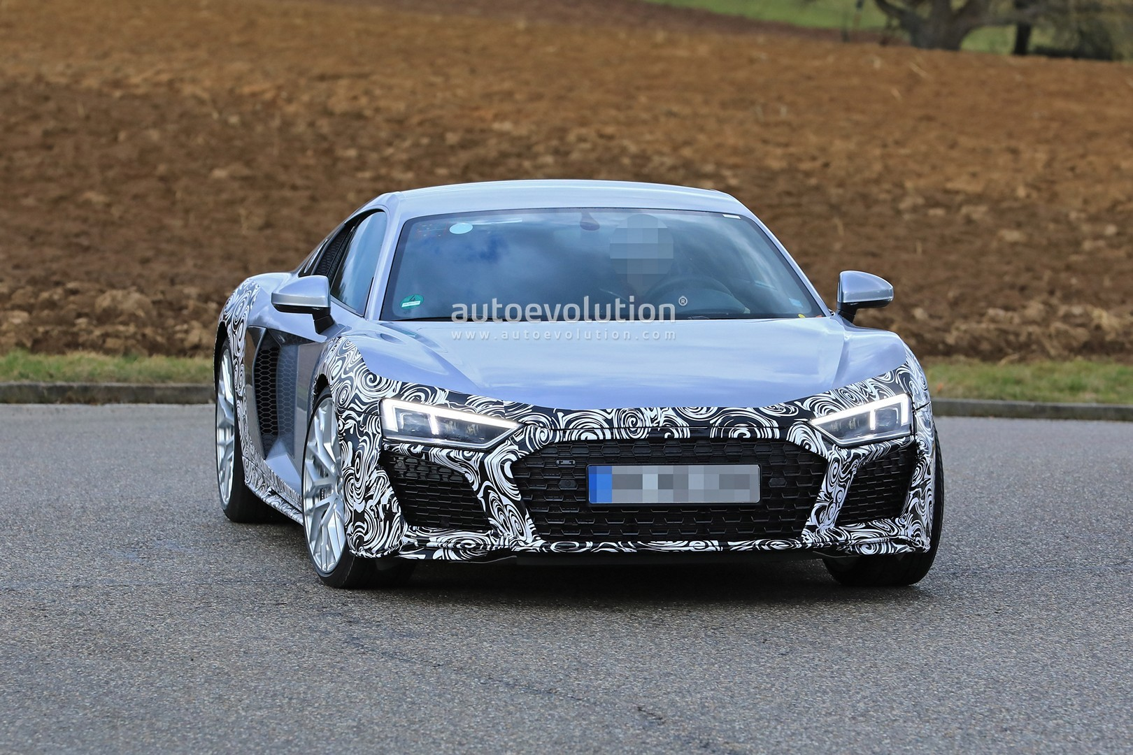 Spyshots Audi R8 Facelift Makes Testing Debut Looks Like