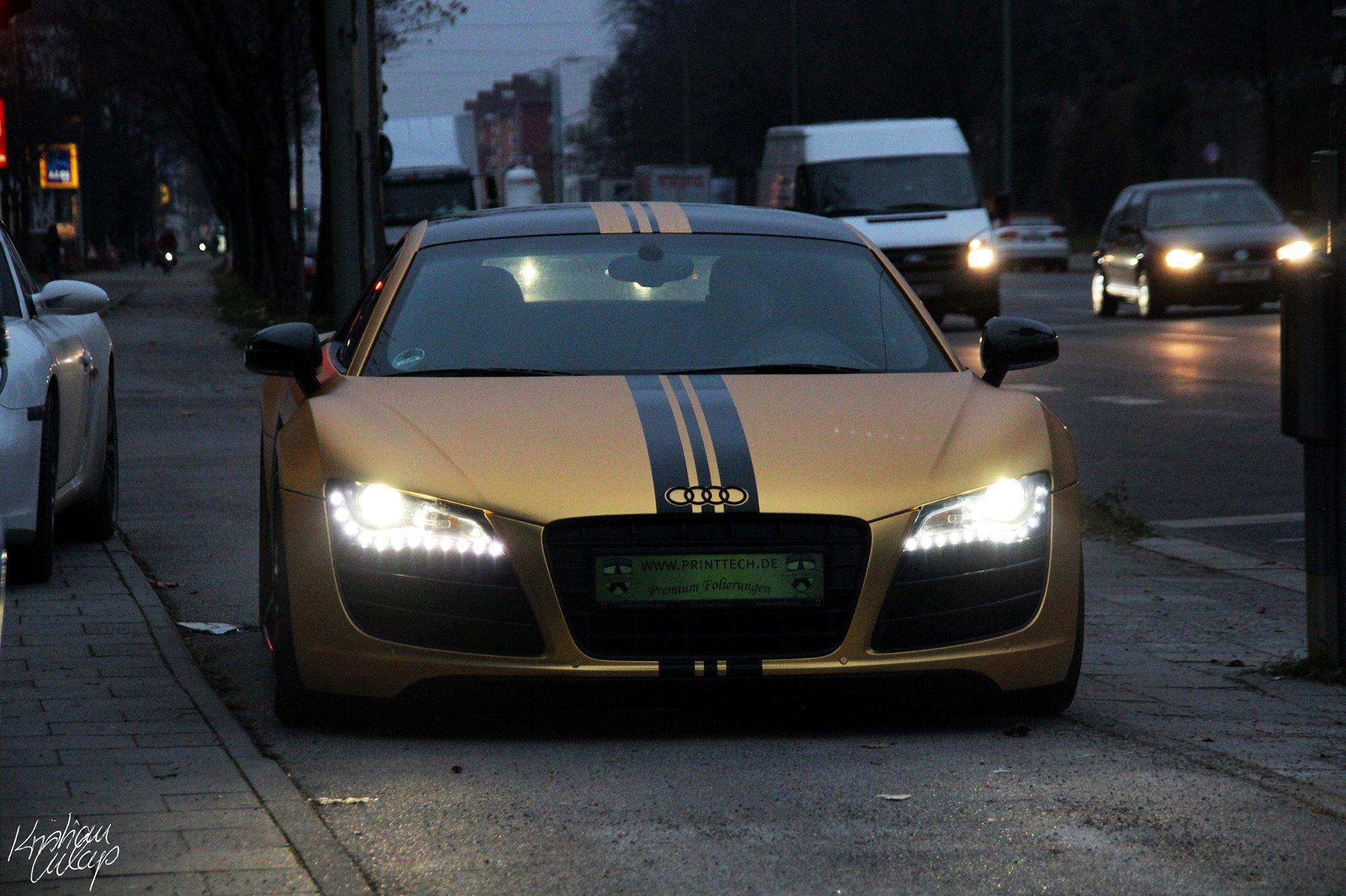 Audi R8 In Matte Gold Dominates Munich Video Autoevolution