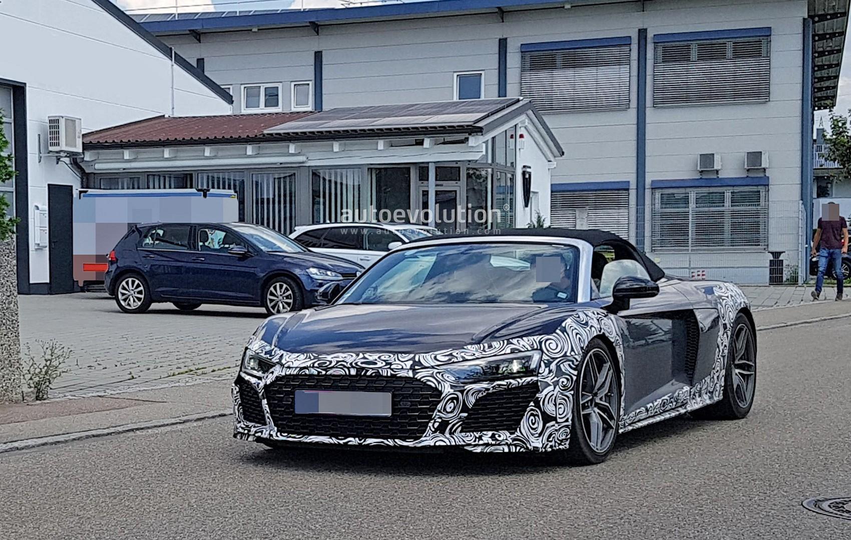 Audi R8 Spyder Drag Races Mclaren 570s Brutal Humiliation Follows