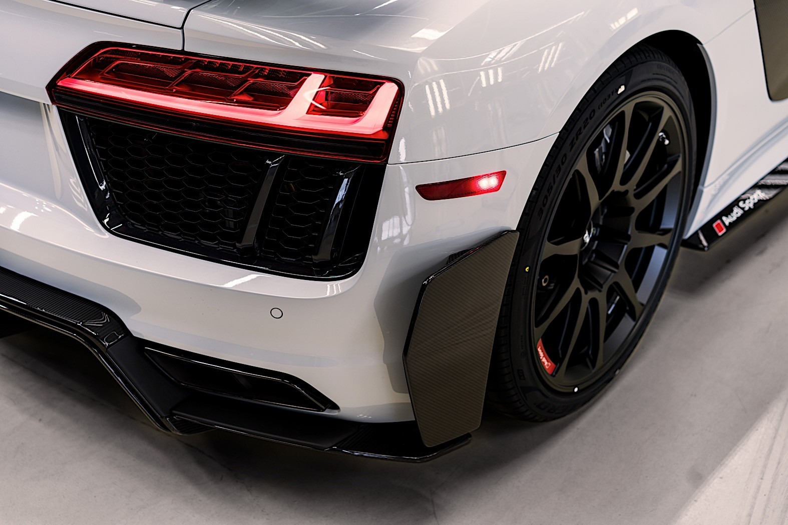 Audi R8 V10 Plus Coupe Competition Package for the U.S ...