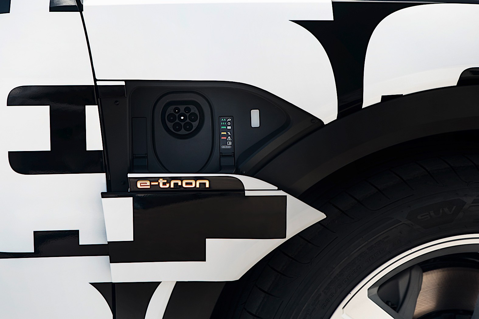 audi readies home charging solution for upcoming e tron suv autoevolution. Black Bedroom Furniture Sets. Home Design Ideas