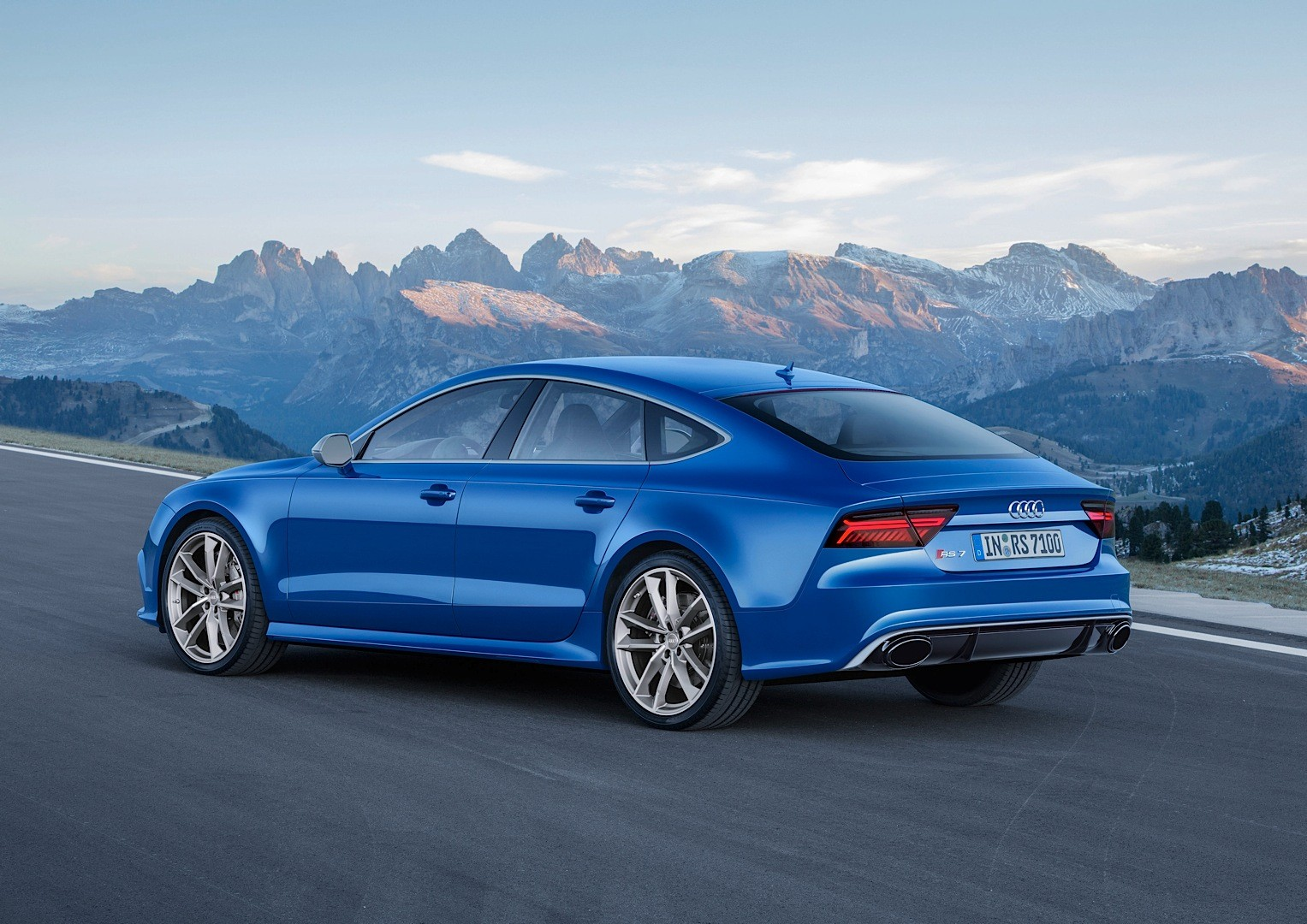 audi reveals rs6 performance and rs7 performance with 605. Black Bedroom Furniture Sets. Home Design Ideas