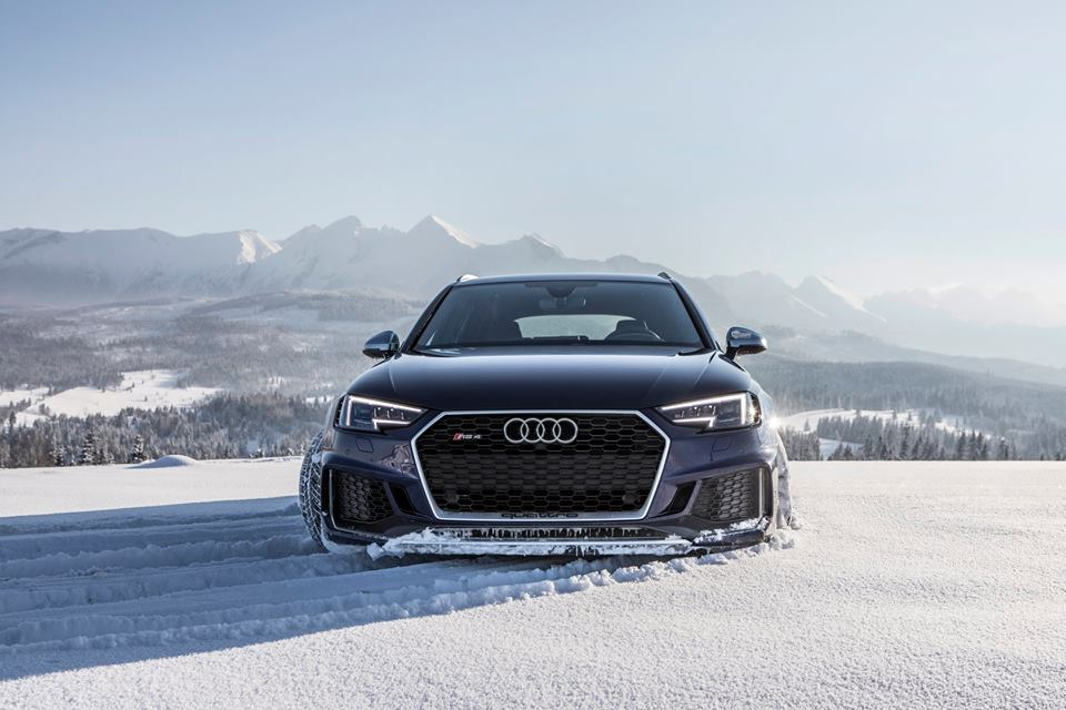 Audi RS4 Avant Dyno Run Reveals 16 More Horsepower at the Flywheel ...