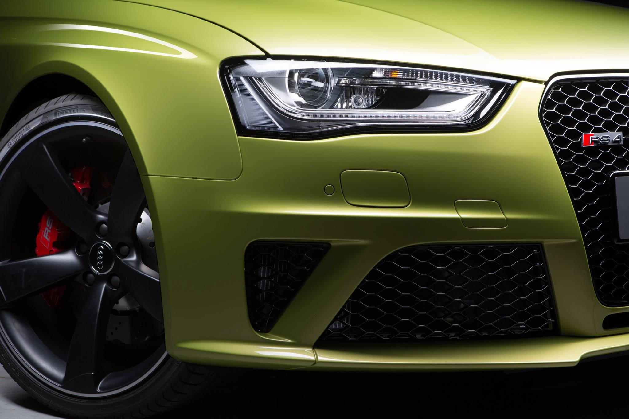 Audi RS4 Avant Finished in Peridot Green by Audi Exclusive ...
