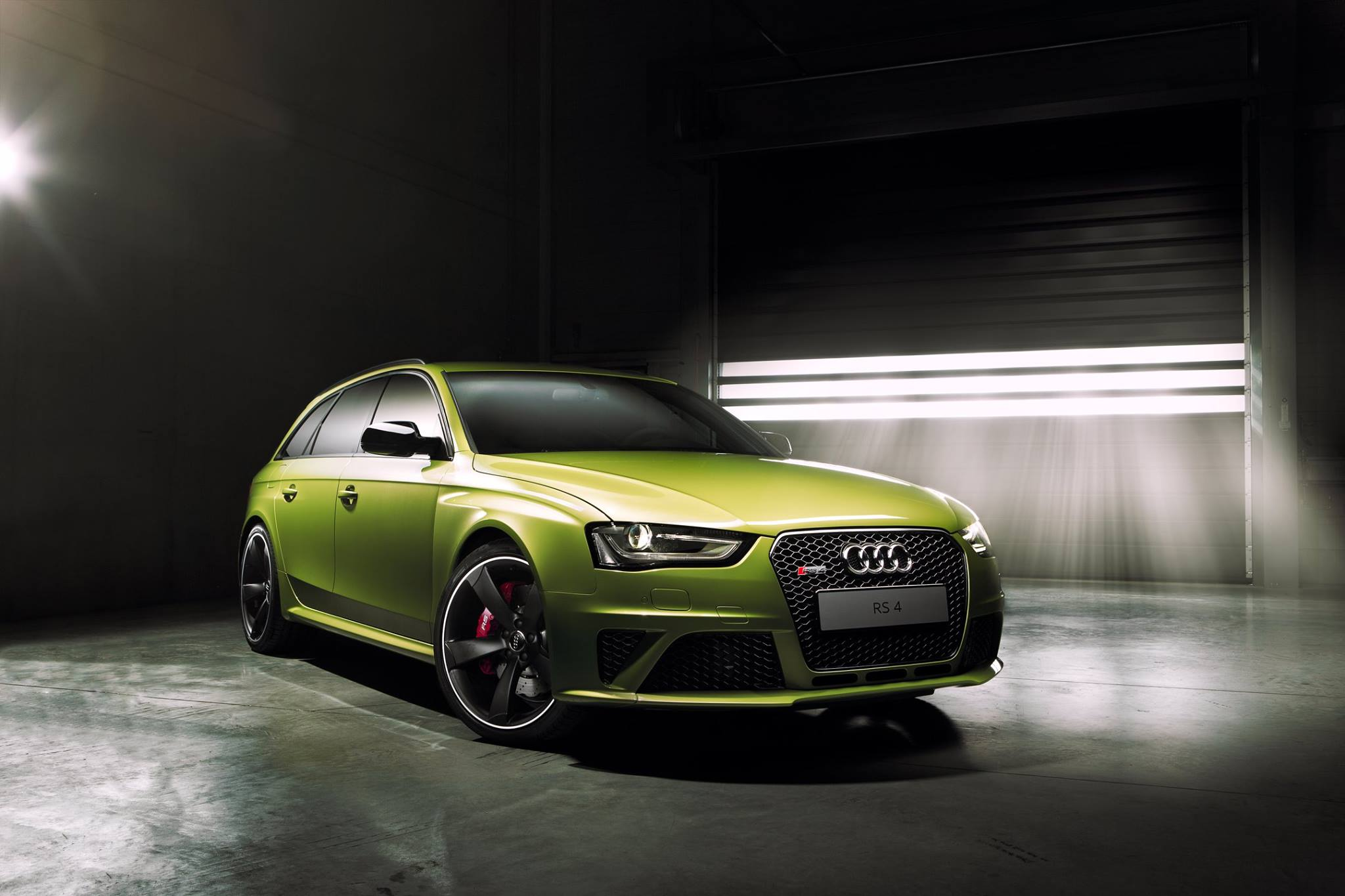 Audi Rs4 Avant Finished In Peridot Green By Audi Exclusive