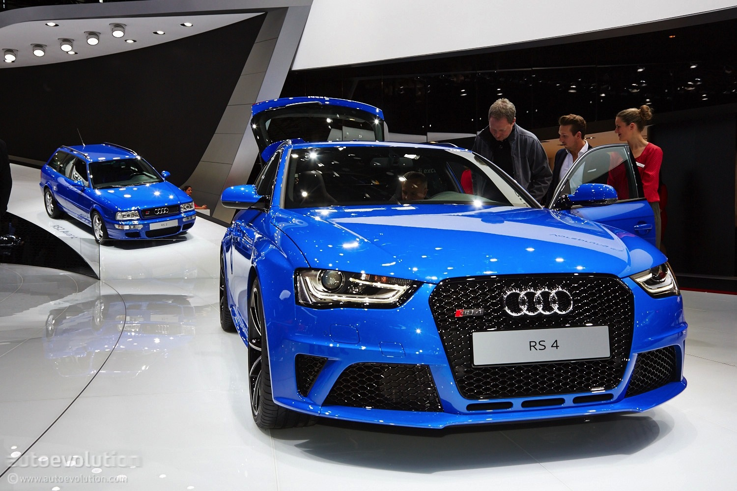 Audi Rs4 Nogaro Pays Tribute To Rs2 Avant In Geneva Live