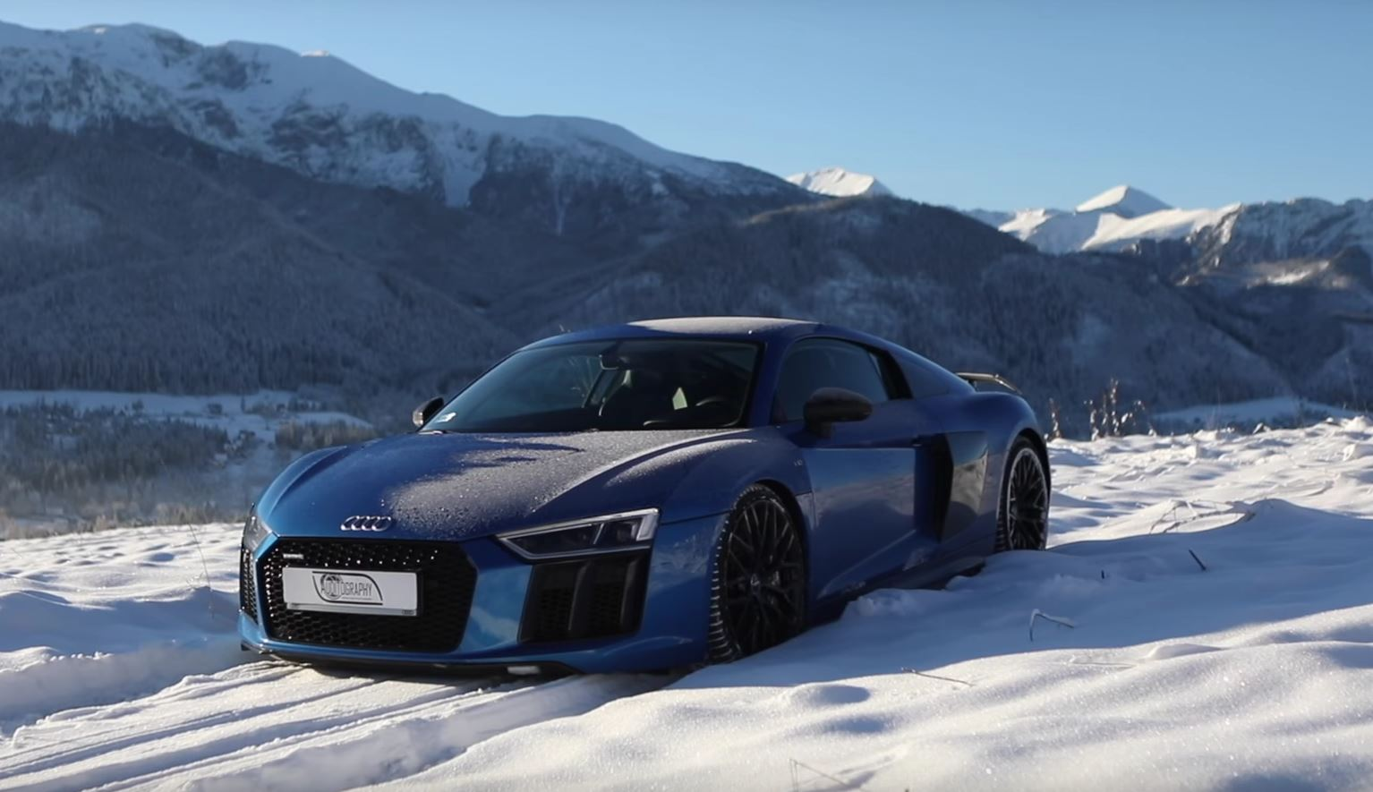 Ordinaire ... Audi RS5 And R8 Look Stunning While Taking Advantage Of First Snow