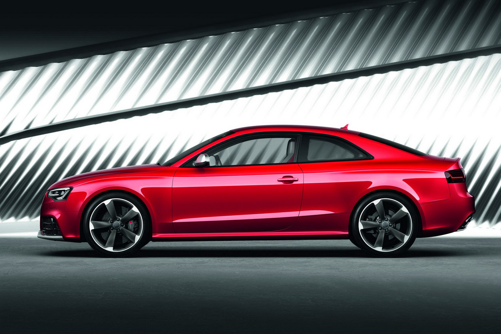 audi rs5 gets facelifted for frankfurt autoevolution. Black Bedroom Furniture Sets. Home Design Ideas