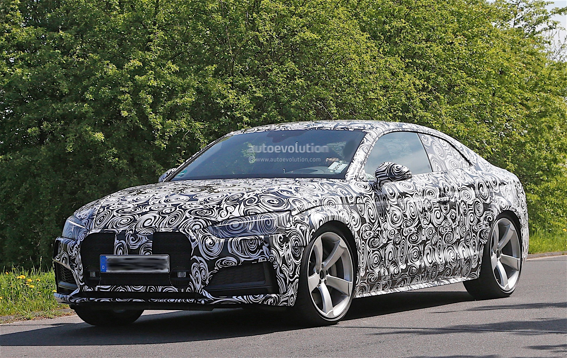 Audi Testing Rs5 Prototype With Full Camouflage Spyshots