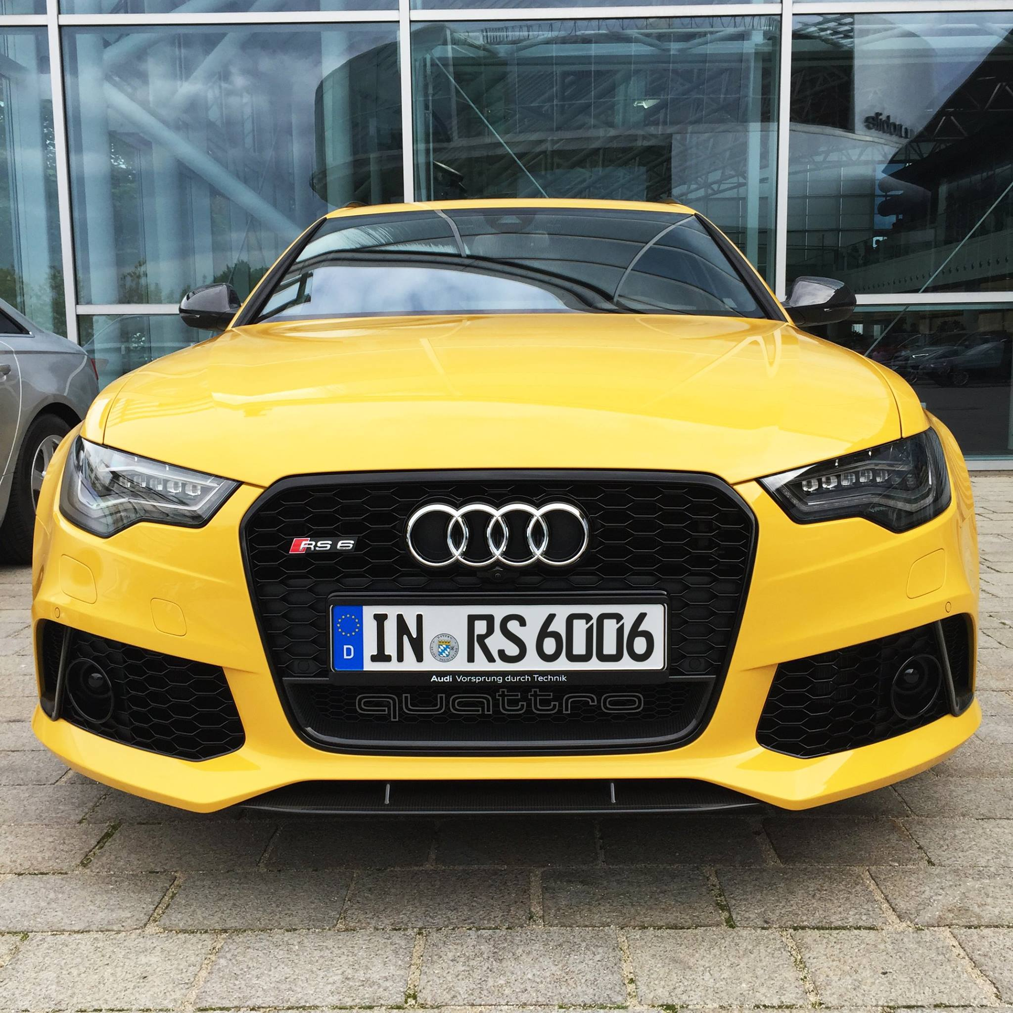 Audi Rs6 Avant In Speed Yellow Speedgelb At Audi Forum Ingolstadt