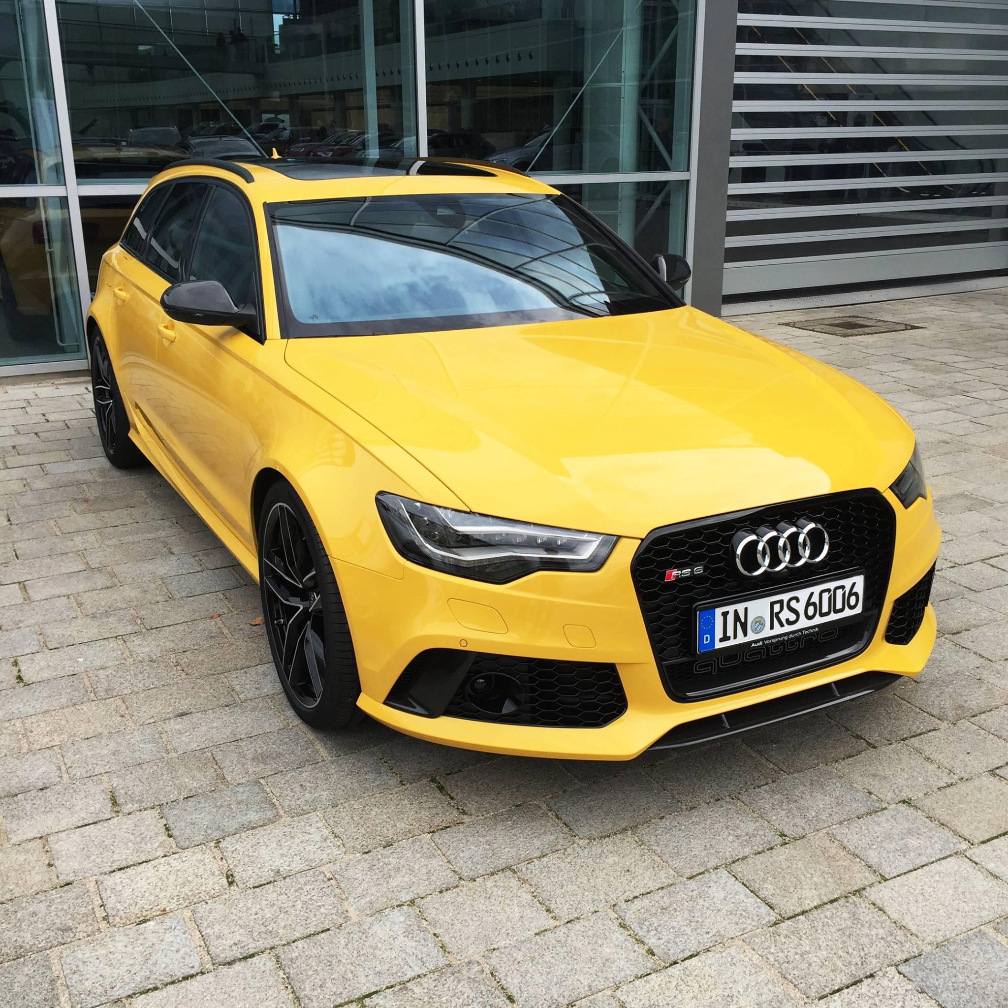 Audi RS6 Avant In Speed Yellow (Speedgelb) At Audi Forum