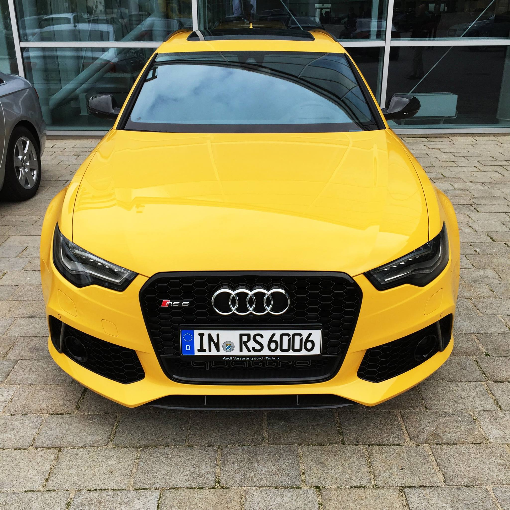 Audi RS6 Avant In Speed Yellow (Speedgelb) At Audi Forum
