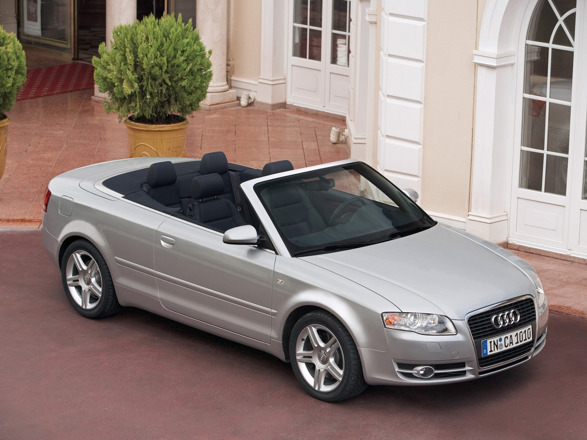 audi rumored to debut a1 cabriolet in 2019 a4 coupe and a4 cabriolet to follow autoevolution. Black Bedroom Furniture Sets. Home Design Ideas