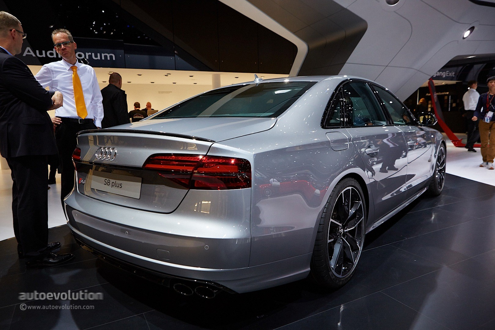 2016 Audi S8 plus Returns in Two Trailer Videos, Lets Us Hear the 605 ...