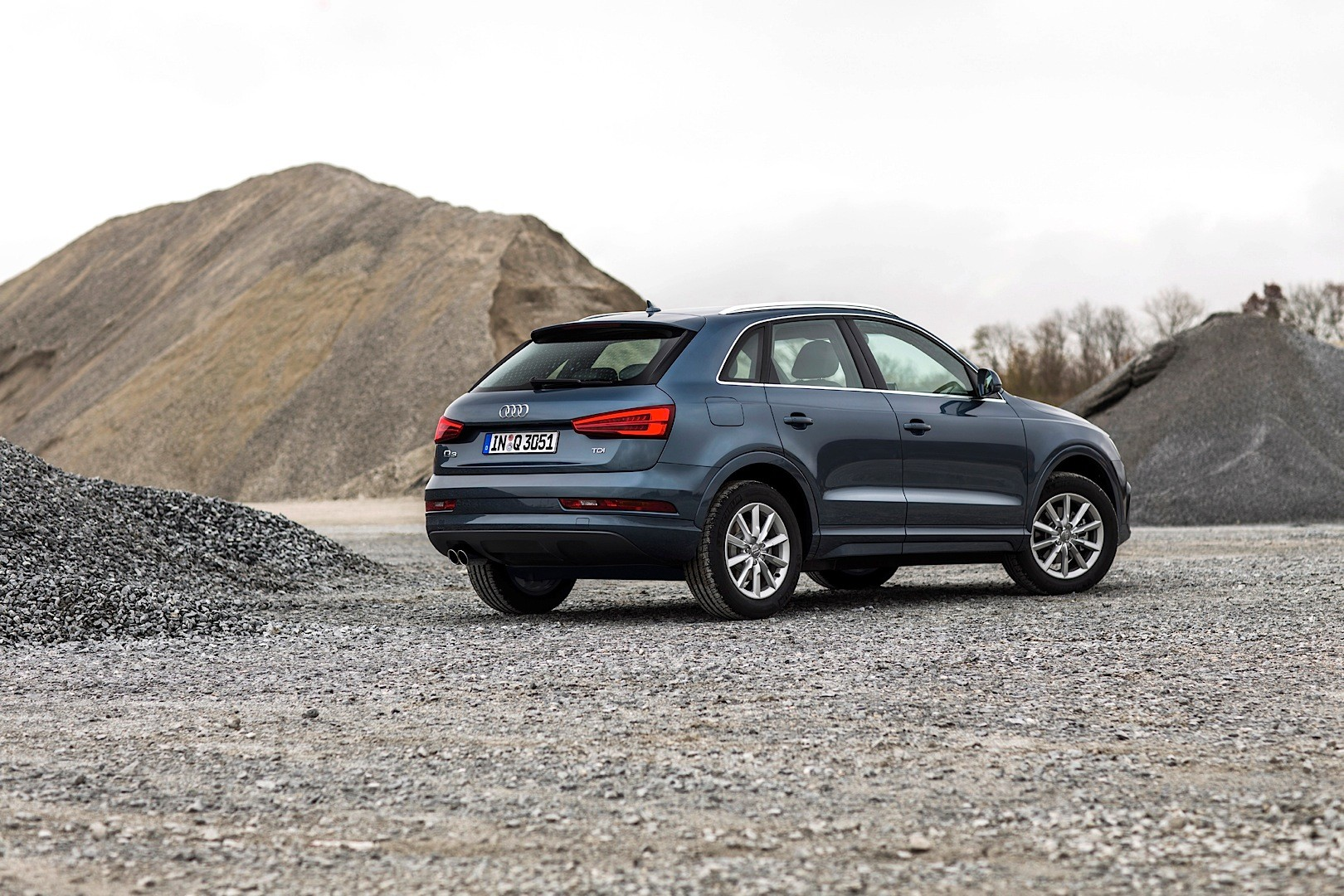 Audi Shares New 2015 Q3 And Rs Q3 Photos Fresh Colors