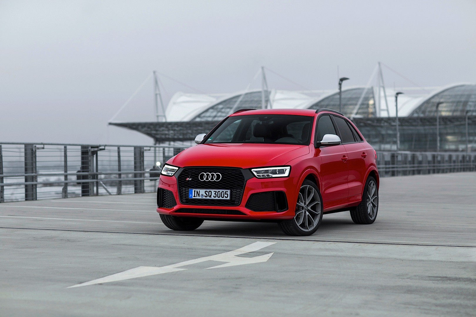 2015 audi rs q3 acceleration test 0 to 100 km h in 4 8. Black Bedroom Furniture Sets. Home Design Ideas