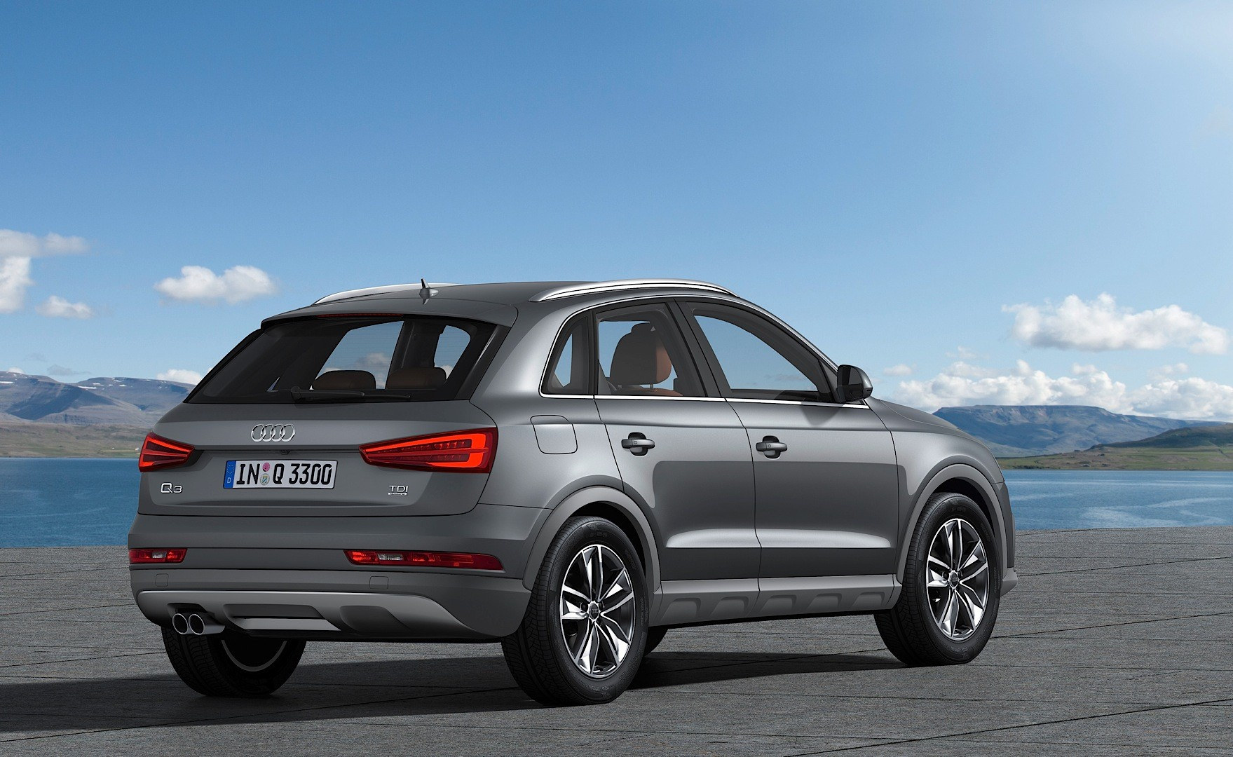 Audi Shares New 2015 Q3 and RS Q3 Photos: Fresh Colors