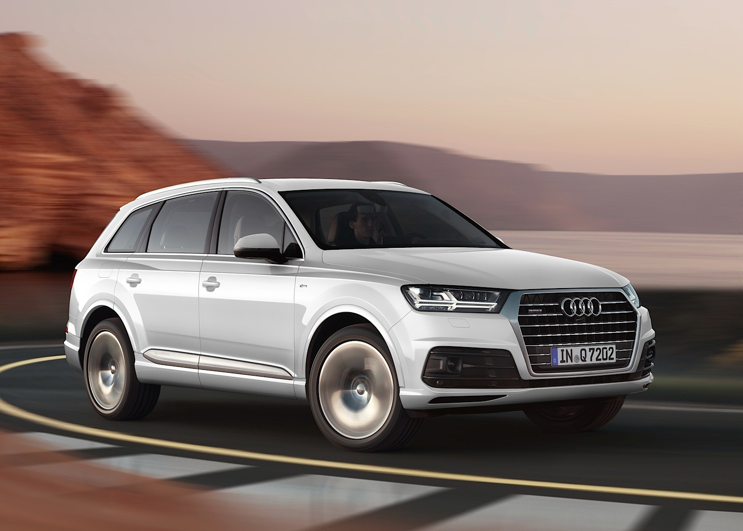 Audi Shows 2015 Q7 in New Tofana White Color, Reveals ...