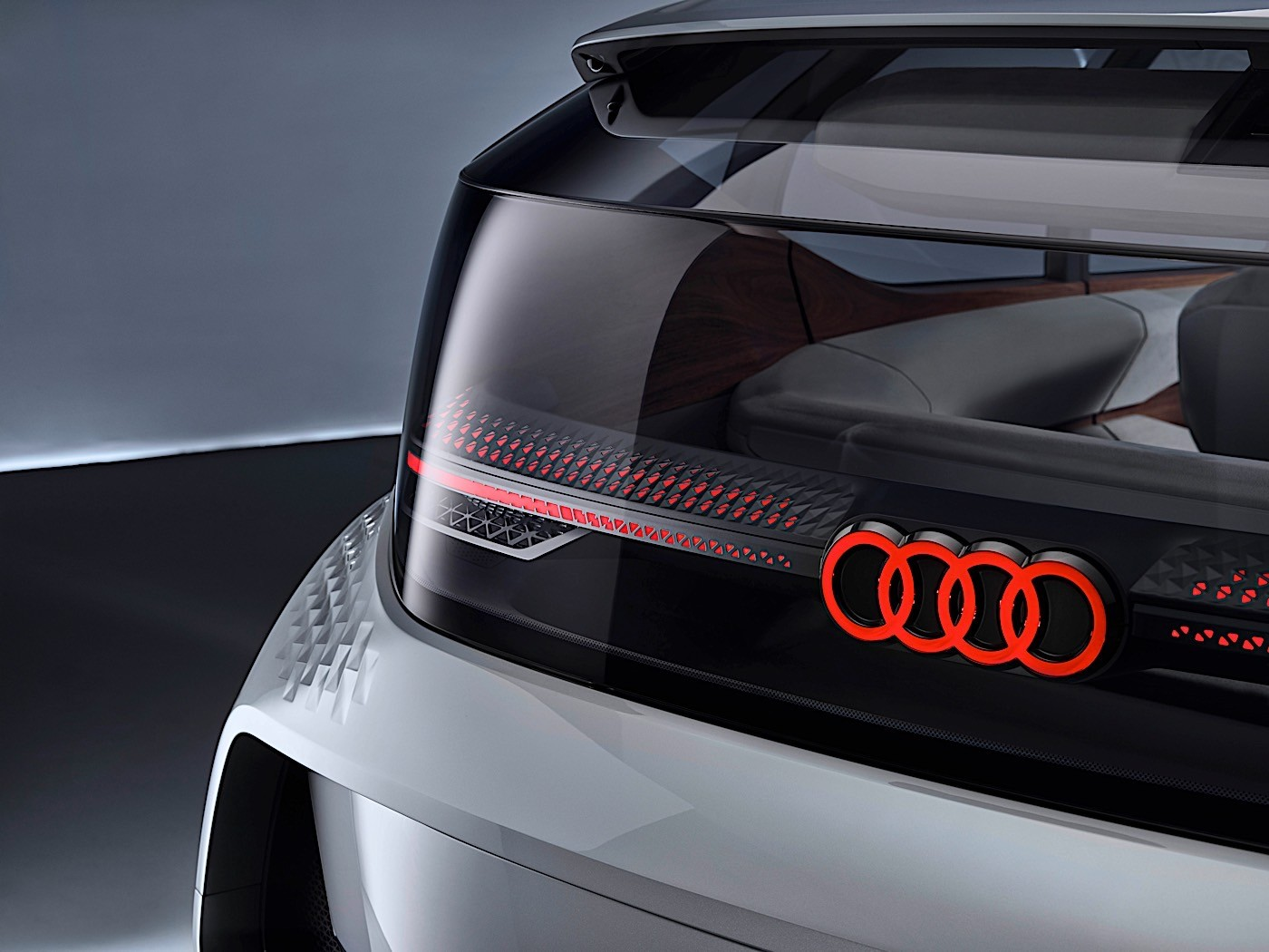 9 Seater Car >> Audi Shows Artificial Intelligence Car with Eye-Controlled ...