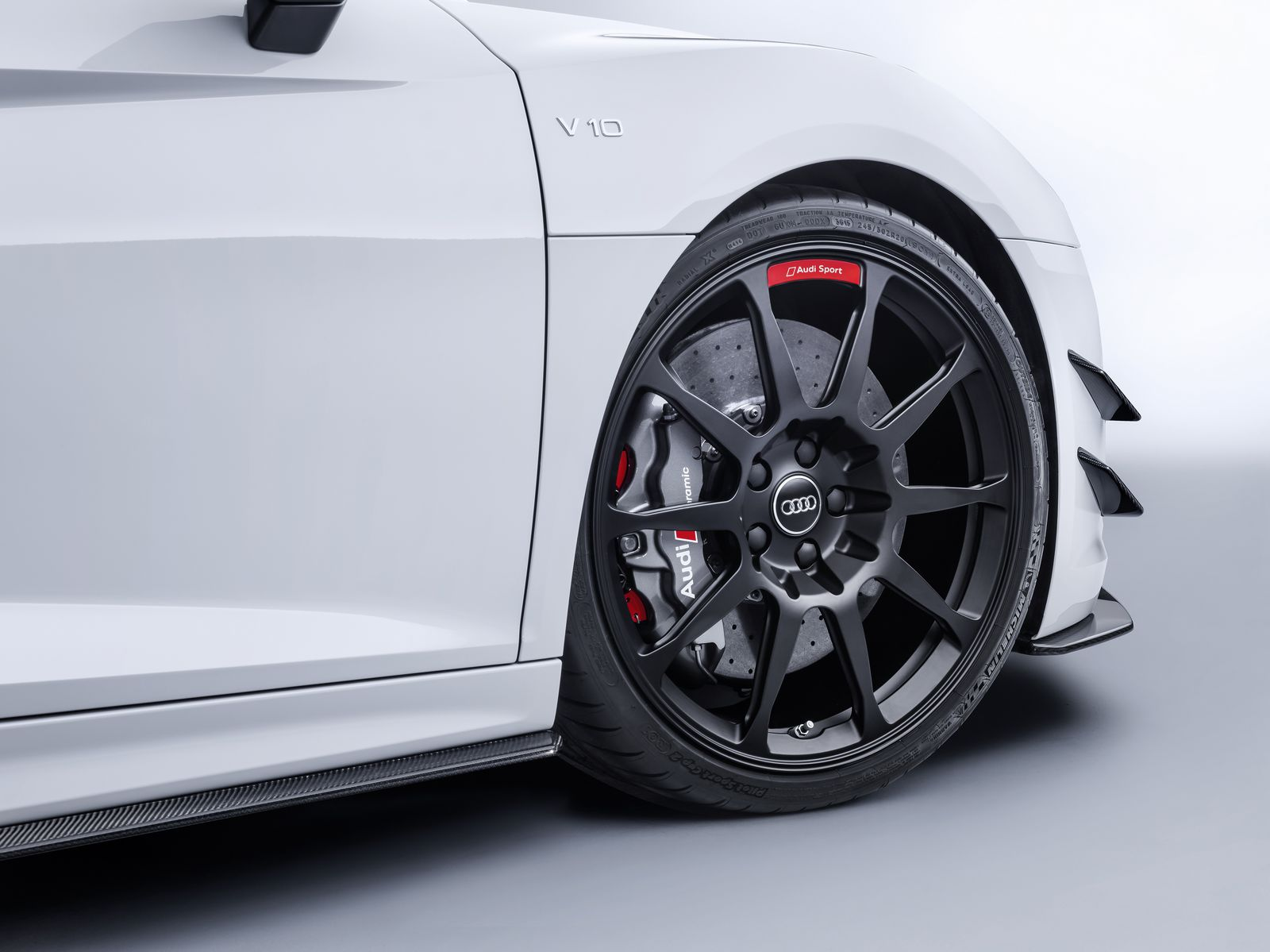 Audi Sport Performance Parts Look The Biz On R8 And TT - autoevolution