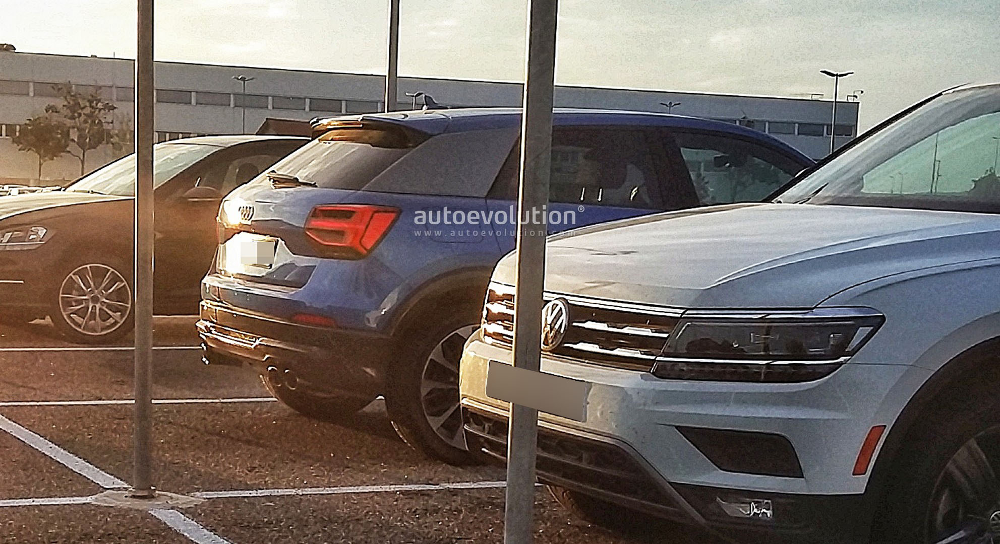 2016 - [Audi] Q2 - Page 25 Audi-sq2-spied-completely-uncamouflaged_2