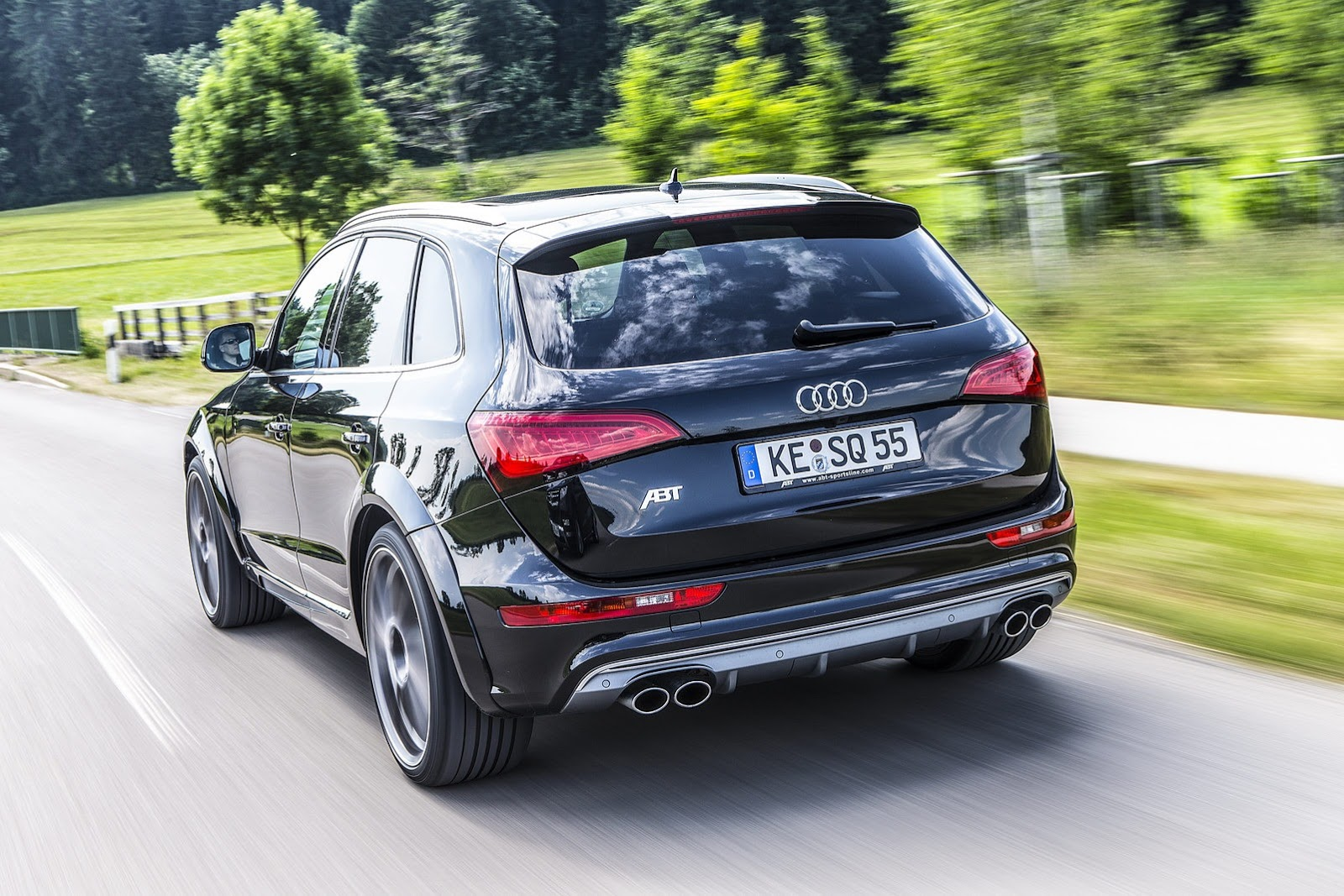 Audi SQ5 TDI Proves Faster than Macan S Diesel in Drag ...