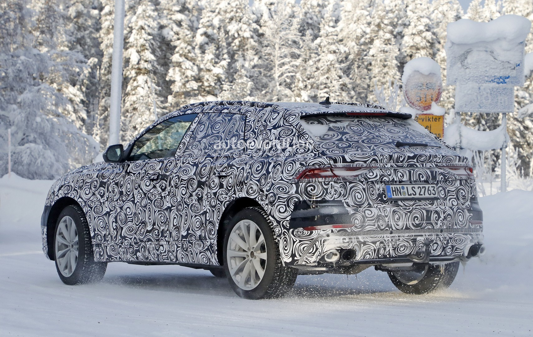 2018 - [Audi] Q8 - Page 6 Audi-sq8-shows-new-headlights-looks-almost-ready-to-debut_10
