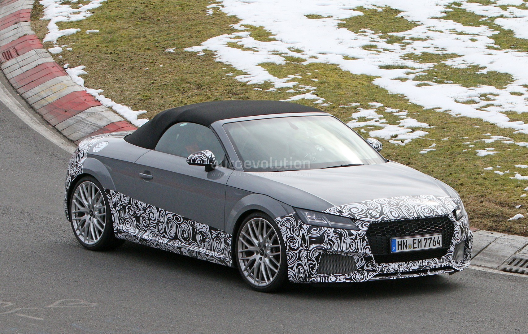 audi tt rs roadster accompanied by a4 allroad and sedan for nurburgring testing autoevolution. Black Bedroom Furniture Sets. Home Design Ideas