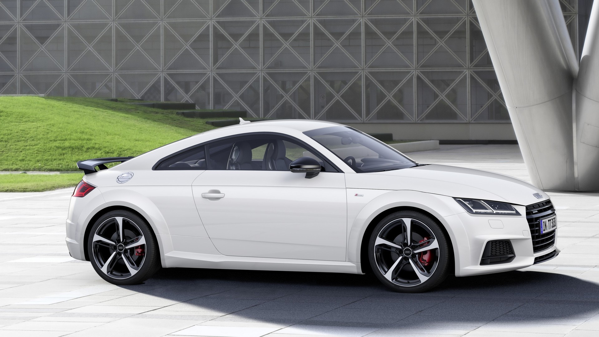 audi tt s line competition revealed has rs like rear wing autoevolution. Black Bedroom Furniture Sets. Home Design Ideas