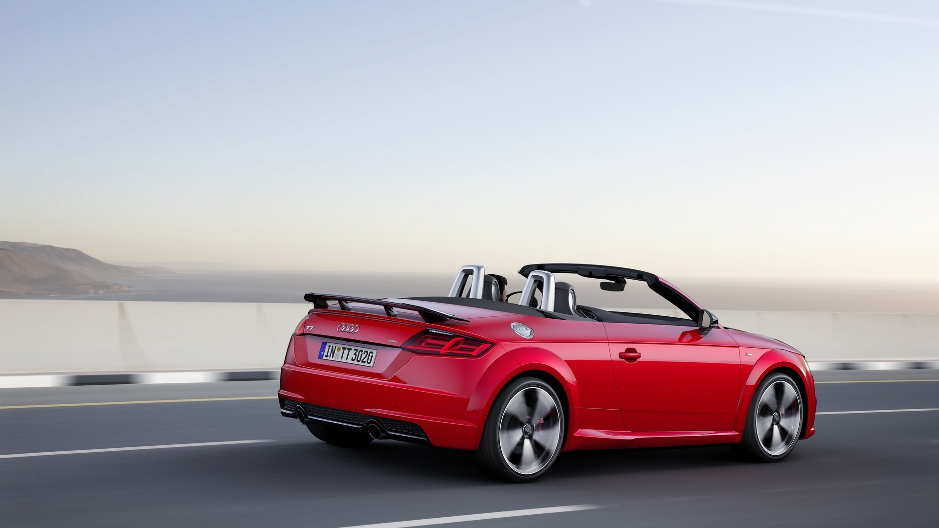 audi tt s line competition revealed has rs like rear wing. Black Bedroom Furniture Sets. Home Design Ideas