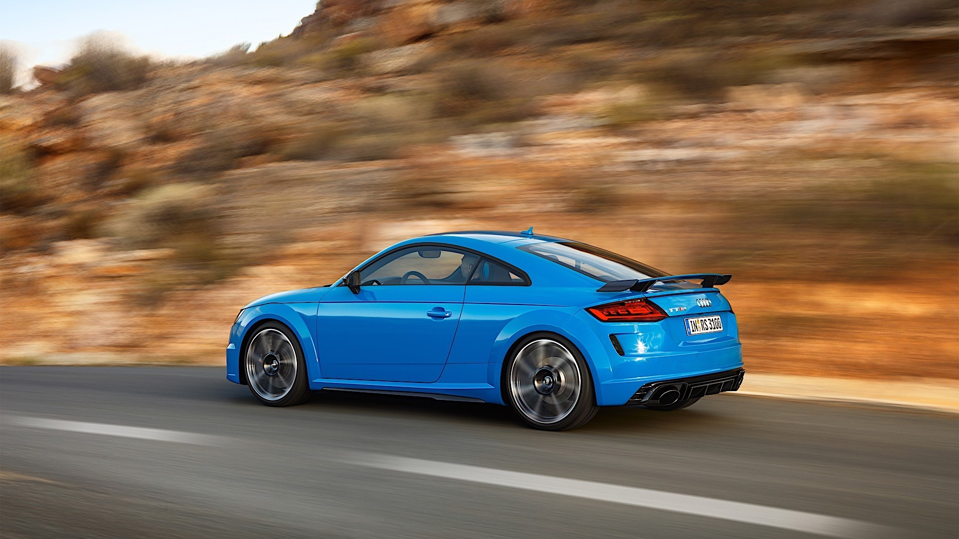 audi unleashes new tt rs facelift with the same 400. Black Bedroom Furniture Sets. Home Design Ideas