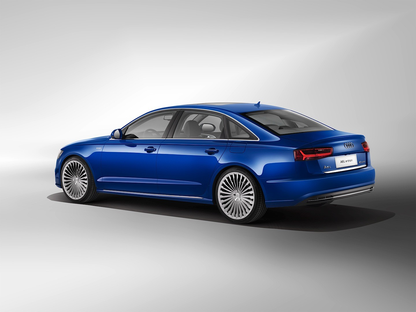 audi unveils a6 l e tron with 245 hp and 880 km range in. Black Bedroom Furniture Sets. Home Design Ideas