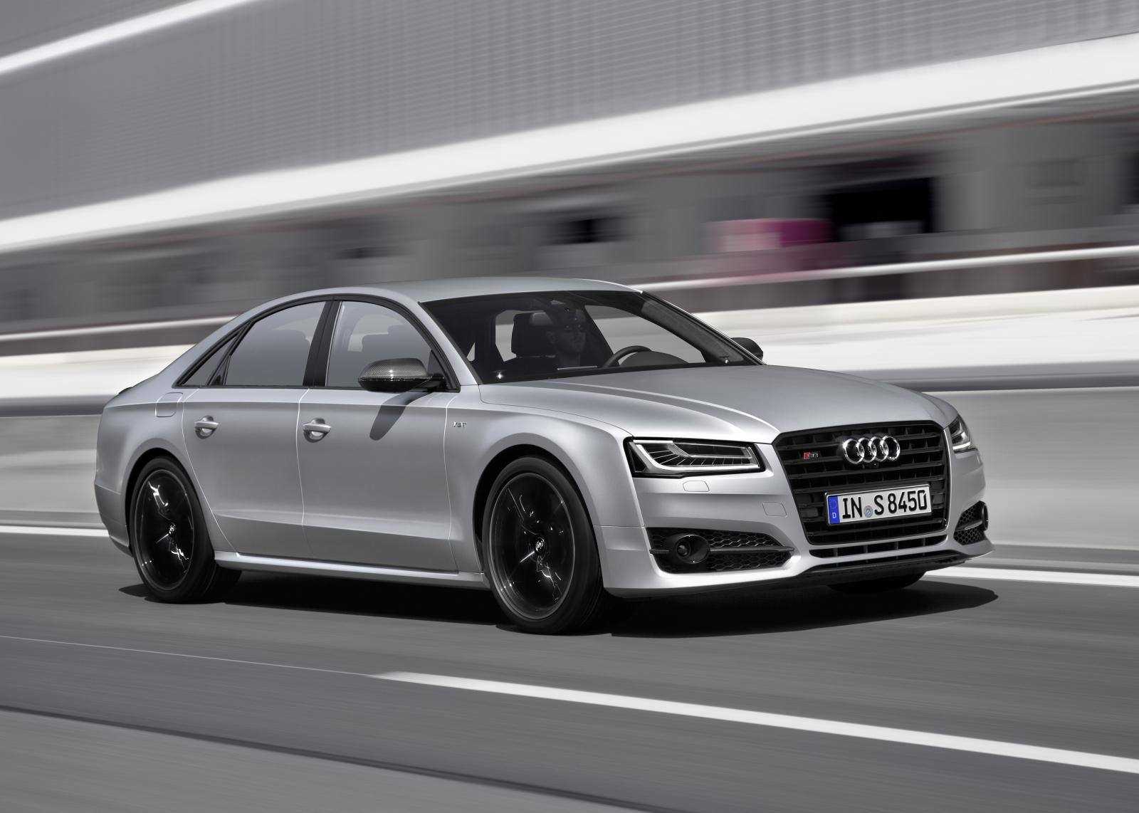 Audi Unveils S8 plus With 605 HP and 305 KM/H Top Speed - autoevolution