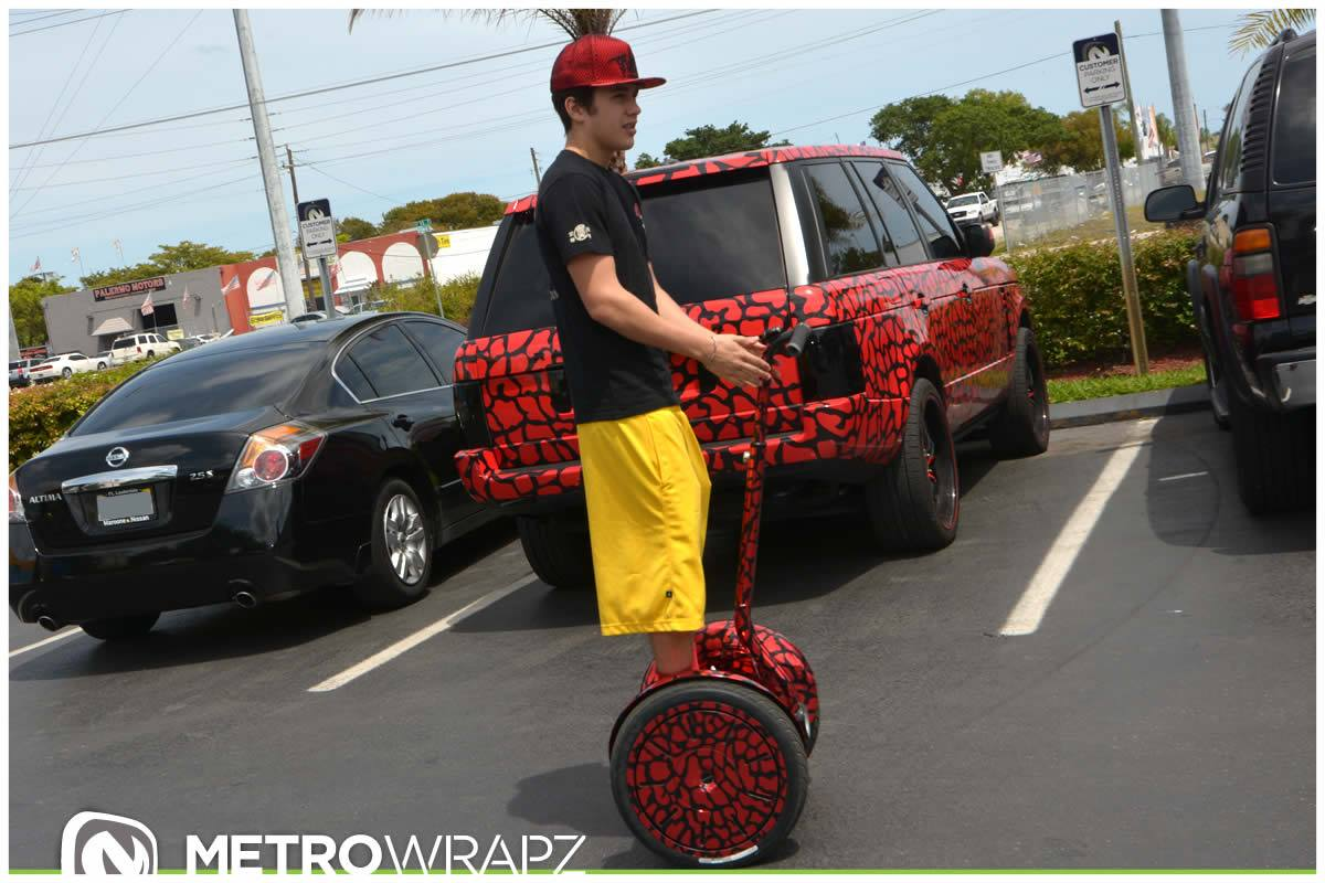 austin mahone gets chrome segway collection to match cars autoevolution. Black Bedroom Furniture Sets. Home Design Ideas