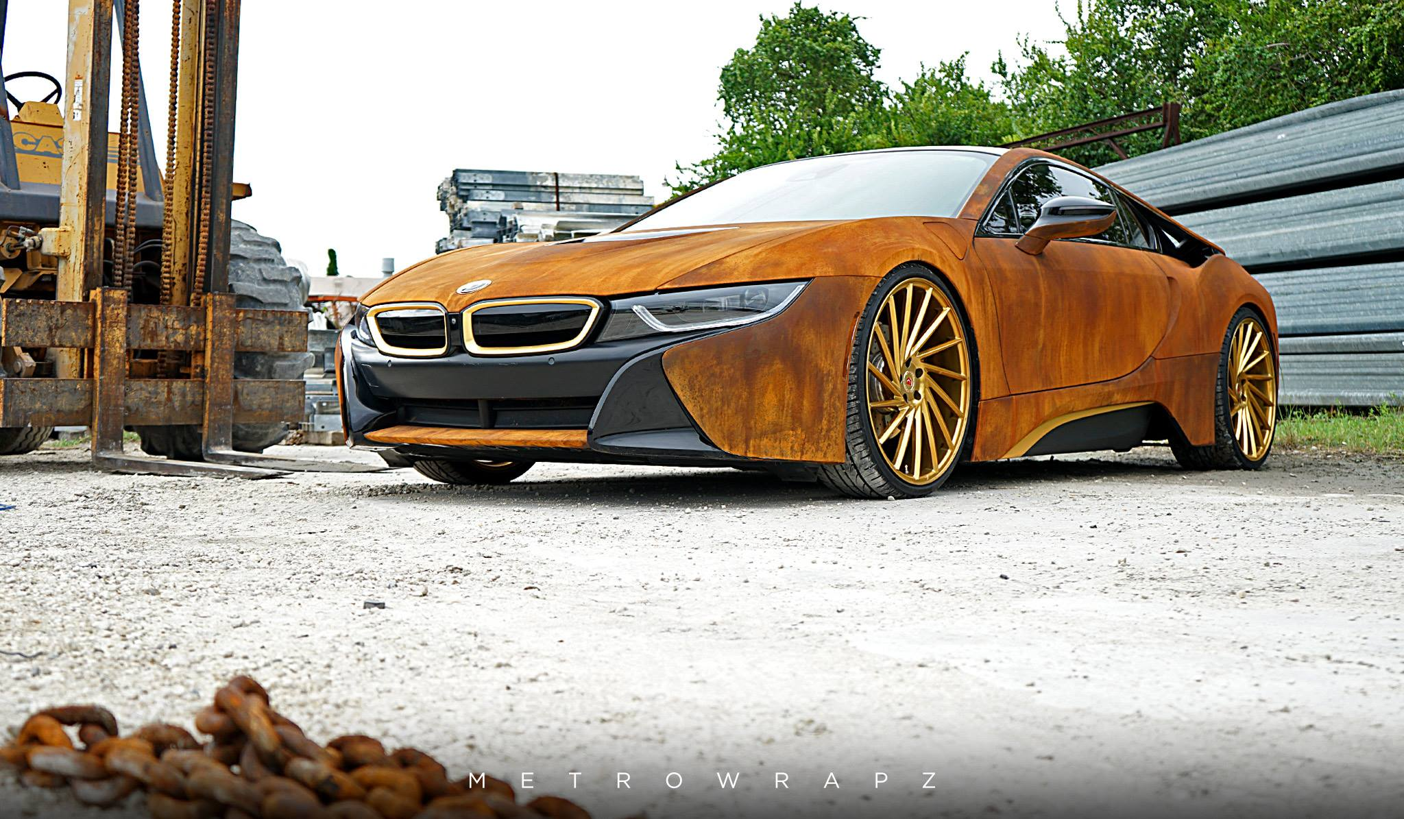 austin mahone 39 s rust wrap bmw i8 looks amazing autoevolution. Black Bedroom Furniture Sets. Home Design Ideas