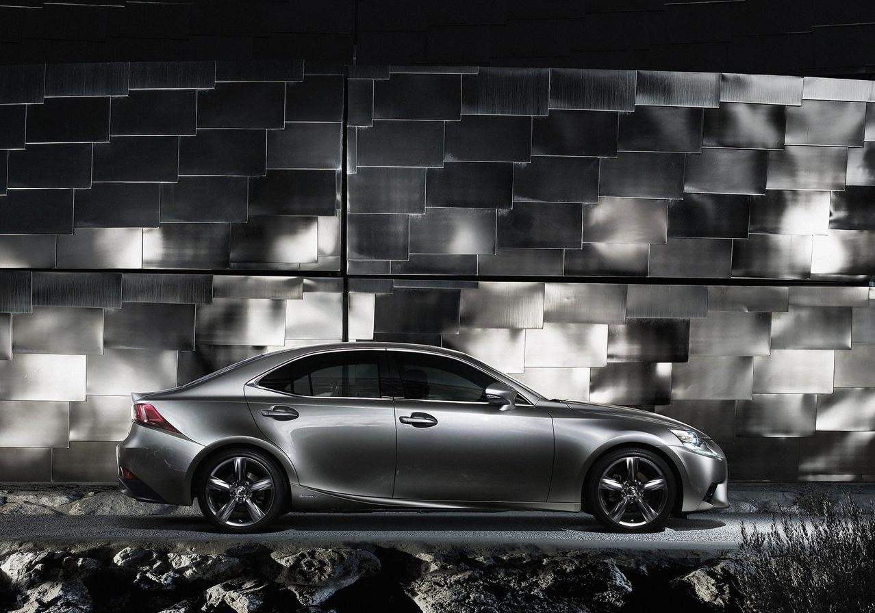 Lexus F Sport >> Autocar Reviews the 2014 Lexus IS 300h F Sport - autoevolution
