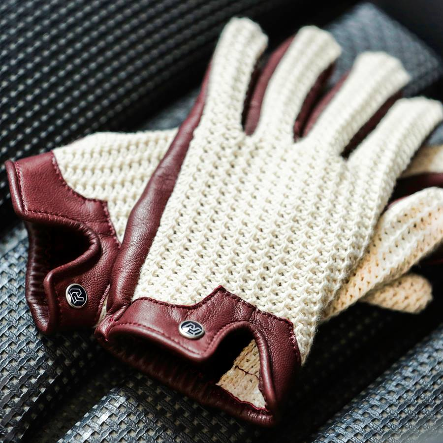 Autodromos Driving Gloves Make You Want To Hit The Track Photo - Alfa romeo driving gloves