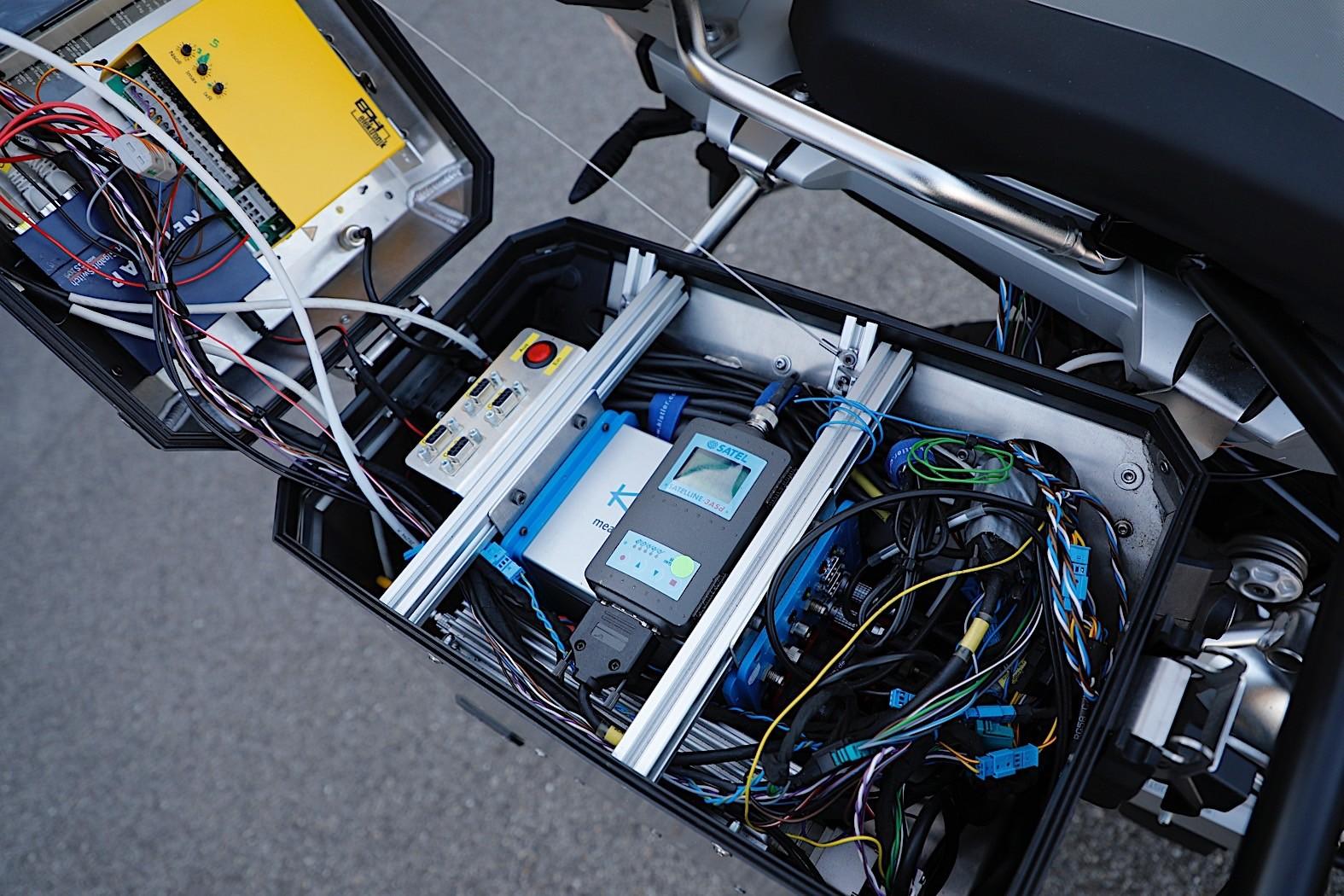 Autonomous BMW R 1200 GS